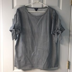 Ann Taylor factory pullover top